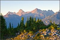 canadian and american border peaks and mt larabee