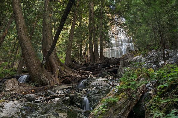 bridal veil falls and small waterfalls downstream