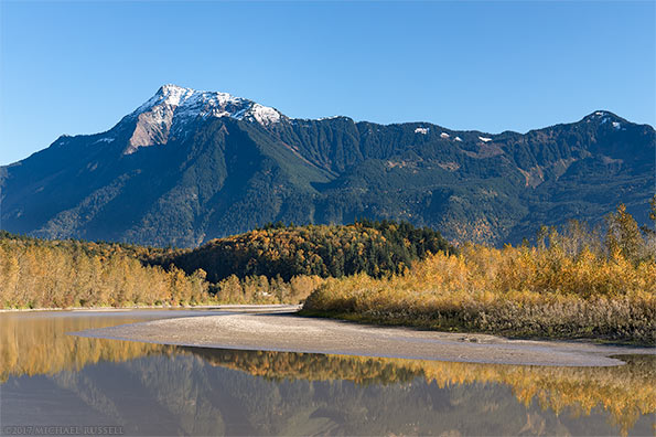 mount cheam and the fraser river from agassiz bc