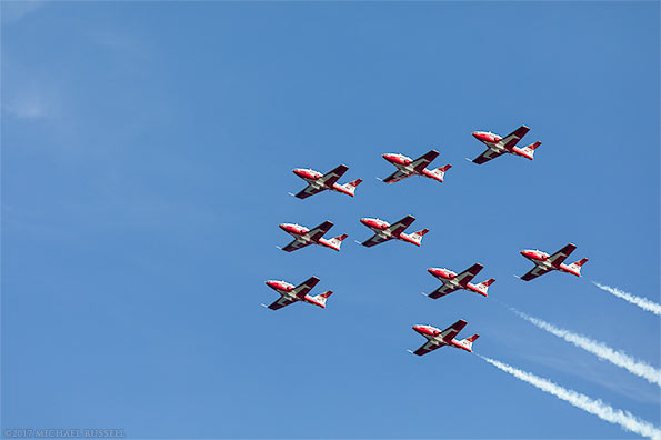 canadian forces snowbirds big arrow formation