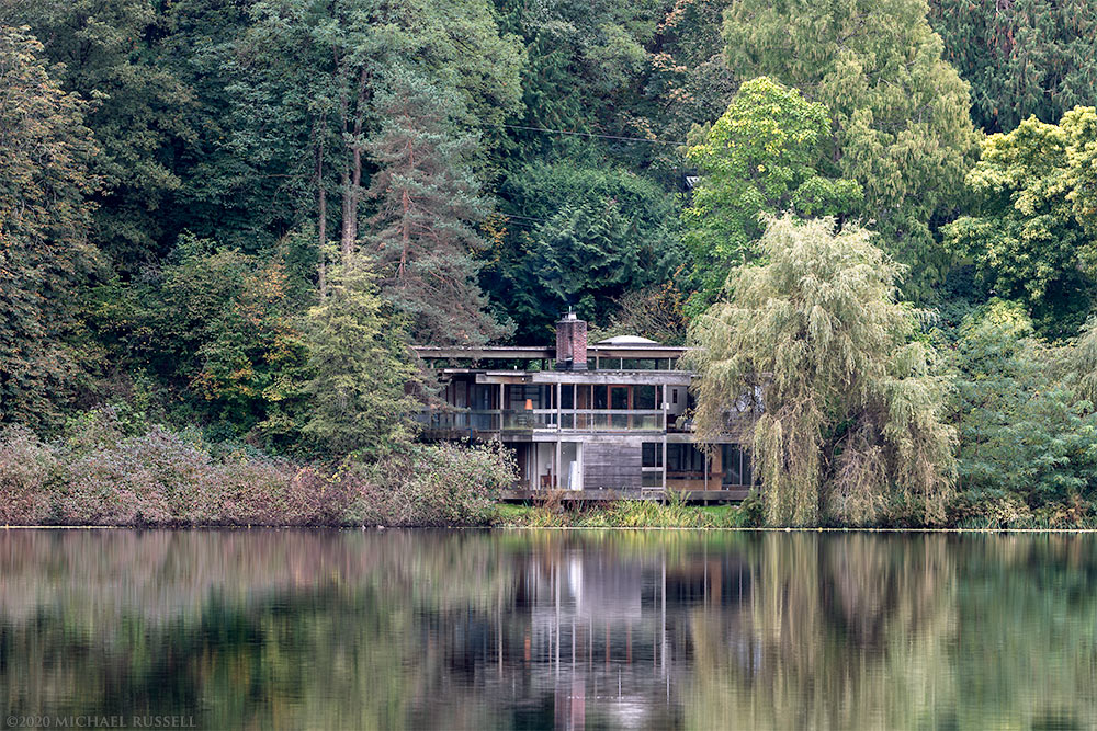 Arthur Ericksons Baldwin house on the shore of deer lake park