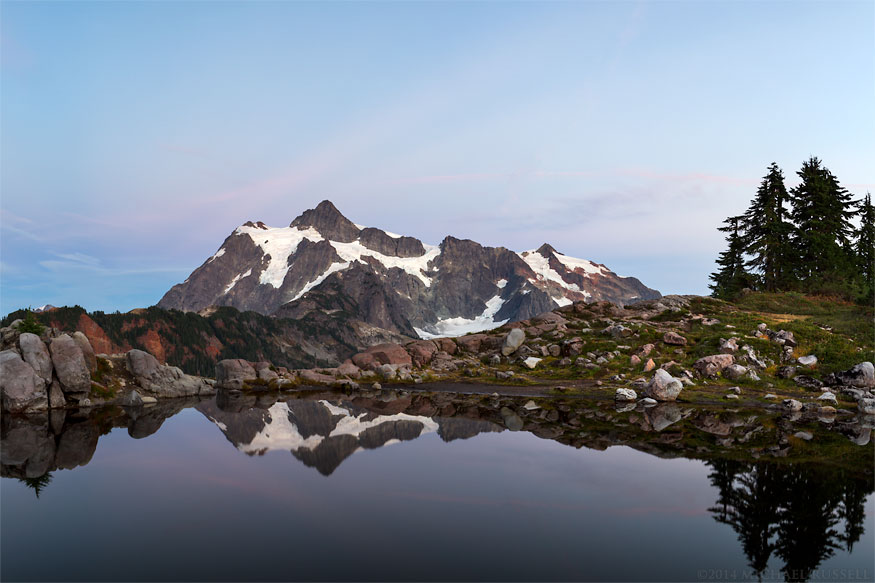 mount shuksan fall reflection tarn