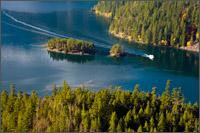 boat on diablo lake