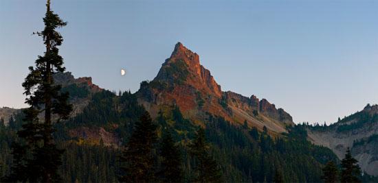 pinnacle peak alpenglo