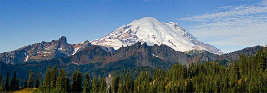 mount rainier from tipsoo lake lookout