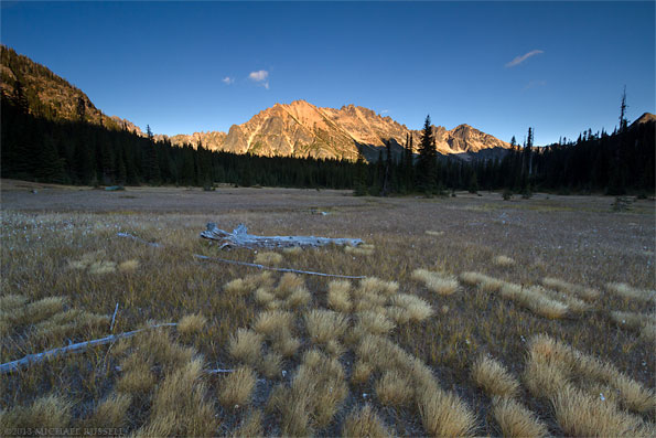 picture of sunset on kangaroo ridge at washington pass in the north cascades of washington state usa