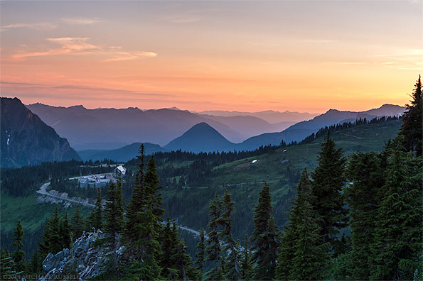 sunset over mount rainier national park from mazama ridge