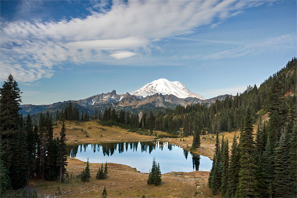 view of mount rainier and tipsoo lake from tipsoo lake viewpoint