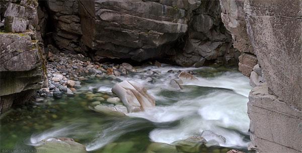 coquihalla river in coquihalla canyon
