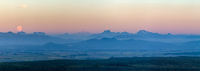 moonrise over northcascades range from anacortes mount erie
