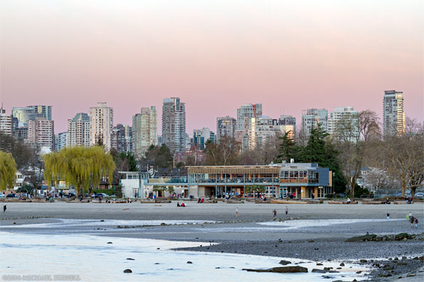 kitsilano beach and the boathouse restaurant at sunset